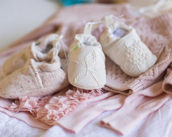 Classic Vintage-style Embroidered Flowers All Fabric Soft Sole Baby Shoes / Made to Order / Baptism Christening
