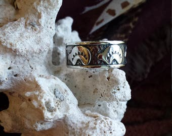 Sterling silver native American bear band ring, size 8 1/2