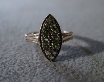Vintage Sterling Silver  12  Round  Peridot Scrolled Filigree Etched Victorian Style Band Ring, Size 8