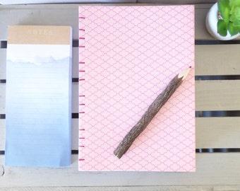 Grand carnet rose - écriture - carnet de croquis à la main - carnet de notes grand - portable à la main - le Journal à la main