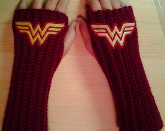 WONDER WOMAN DC Comics Arm warmers / Fingerless gloves / Wrist warmers handmade