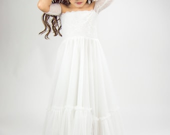 Bohemian Tulle Dress for girl. Flower girl boho off shoulder lace and tulle dress.