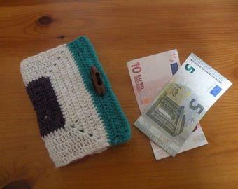 vintage crochet wallet