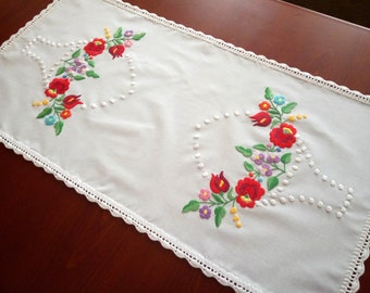 Hand-embroidered small tablecloth, table runner. Authentical Hungarian (Kalocsa-style) embroidery