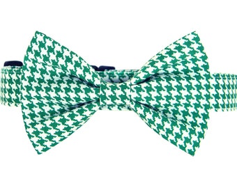 Green Houndstooth Dog Bow Tie Collar/ St. Patrick's Day Bow Tie Dog Collar: Kelly Green Houndstooth