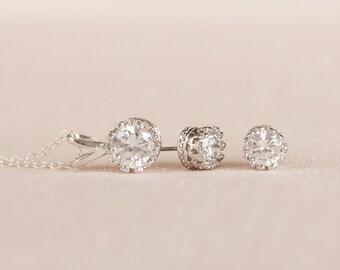 Crystal Stud Bridal Earrings, Earring studs, Bridesmaids jewelry, Vintage style Wedding Jewelry, Rose Gold, Crystal Stud Filigree earrings