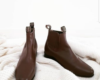 Festival Vintage Brown Boho Boots // Botines Quiroz Leather Festival Riding Boots // Gypsy Western Cuban Heel Chelsea Boots // Womens Size 7