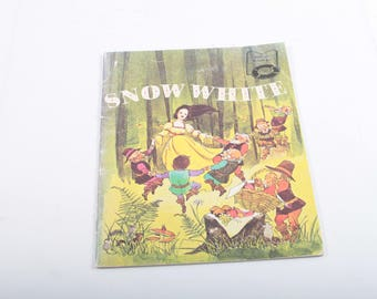 Snow White, Vintage Beautifully Illustrated Storybook, Children's, Bedtime, Tale, Educational Reading, Picture Book ~ The Pink Room ~ 170409