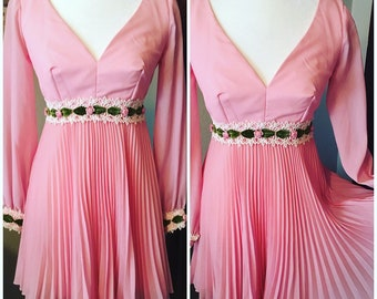 Vintage 1960s pink mini dress size S