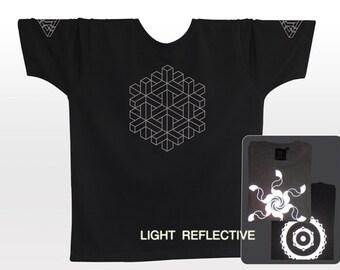 Visual Pattern . Optical Illusion T-shirt . light reflective silver print