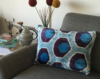 Tindra Home&Decor Ikat Cushion Cover