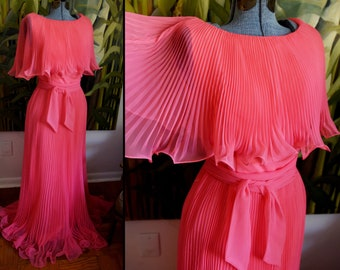 Small / Medium - Wonderful Vintage 'hot' Pink Miss Elliette Dress