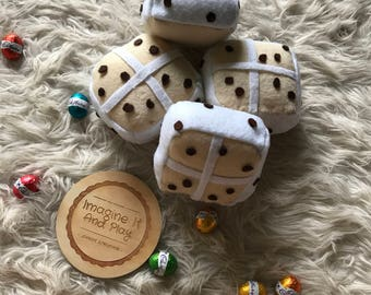 Hot Cross Buns Play Set, hot plush buns, currant buns, easter gift, easter, easter baking, kids pretend play food, play food, felt food,
