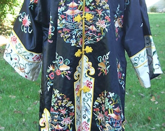 Vintage Silk Embroidered Chinese Robe