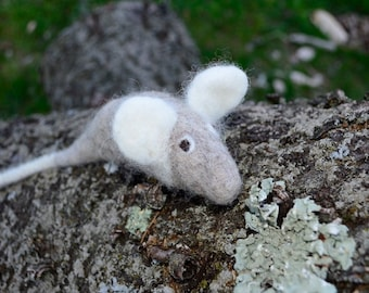 Felted Wool Squeaky Rat Handmade Icelandic Wool Dog or Cat Tug Toy (Small)
