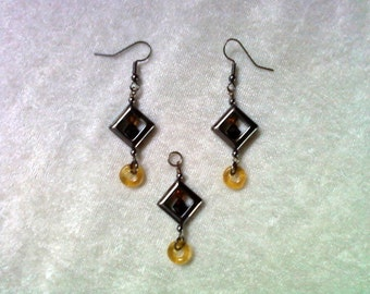 Black and Gold Topaz Pendant and Earrings (1108)
