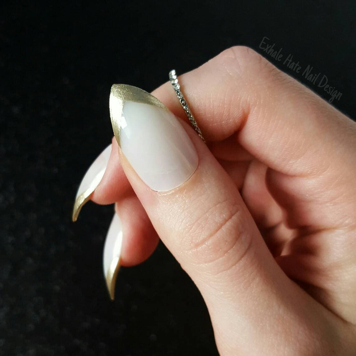 Pointy V French Manicure Press on Matte / Glossy Fake Nails ...
