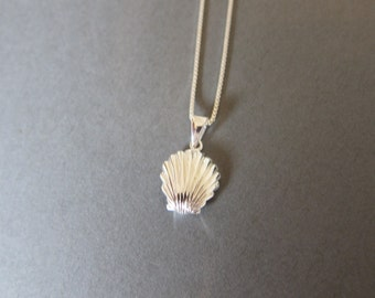 Sterling Silver Shell Necklace, All Sterling Silver Necklace, Sea Creature Necklace, Sea Necklace , Everyday Jewelry,