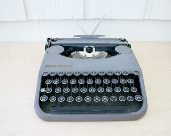Smith Corona Zephyr Working Portable Manual Typewriter