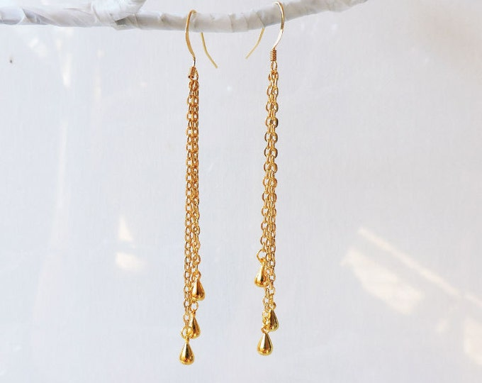 Long gold cascade earrings - Multi-drop gold chain earrings, gold drops, fluid chain hook wire, handmade elegant statement dangle drops