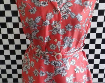 Red/pink floral dress with matching belt - M/L