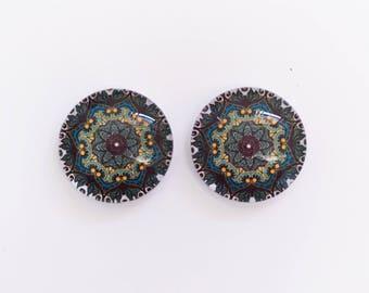 The 'Zina' Glass Earring Studs