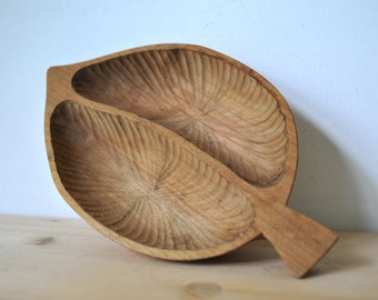 Vintage hand carwed wood plate, leaf plate, wood serving tray, wood tray, decorative tray, CAS159