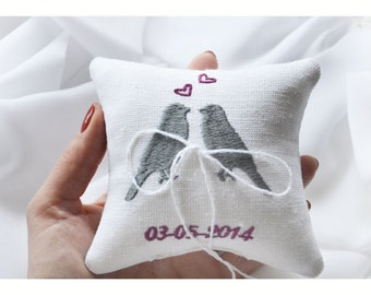 Cuscino anello nuziale ricamato Lovebrids, cuscino anello, cuscino nuziale Anello cuscino portatore con ricamo personalizzato (LR9)