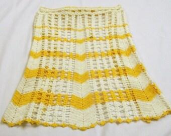 Vintage Crochet Apron, Yellow and White, Crocheted Apron, Chevron Apron, Retro Kitchen, 1950s Vintage