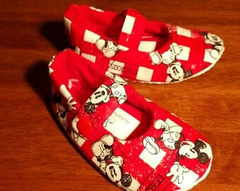 Mickey Mouse Red Mary Jane Toddler Shoes Size 18-24mths