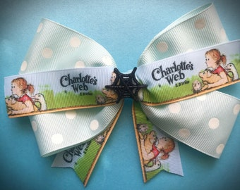 Book inspired bow (Charlottes Web)