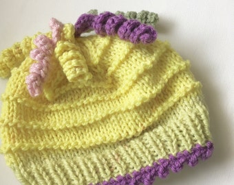 Yellow Baby Hat, Hand Knit Cap. For Newborn Girl, Yellow Knit Cloche, Baby Shower Gift, Photo Prop, Spring Beanie, Hat with pastel twists