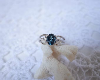 FLEURETTE ring in silver and Topaz T54