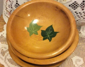 Vintage Munising Wooden Bowls  Set of 4, Americana Hardwood Decor, Rustic Collectible, Handpainted Green Leaf Design