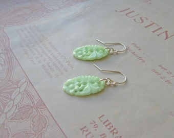 Vintage Summer Orient short earrings in mint