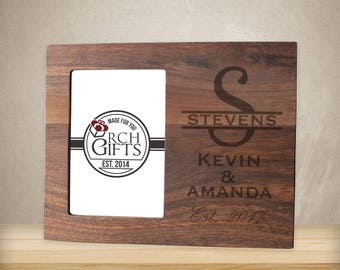 Personalized Family Name photo frame/Hardwood walnut/cherry/maple engraved picture frame, wood picture frame, personalized picture frame