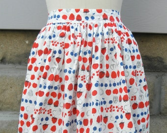 "1960s ""Susie"" Berries & Cherries Half Apron"