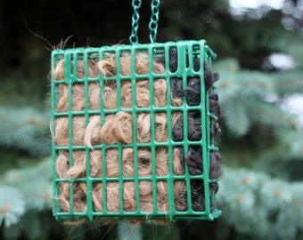 Alpaca Bird Nesting Material with Wire Cage