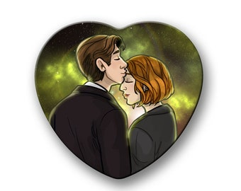 """X-Files Mulder and Scully kiss XFiles heart shaped 2"""" pinback button"""