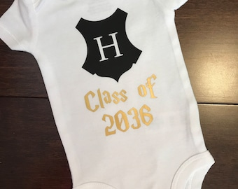 Baby Boy or Girl Harry Potter CLASS OF 2036 Onesie / Bodysuit - Short or Long Sleeve - Hogwarts Crest - Black and Gold - Baby Shower Gift