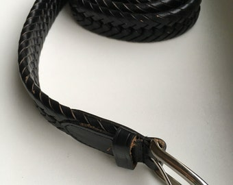 Vintage black Genuine leather plaited belt with metal buckle. Size 36/90 in vintage condition. Made in China