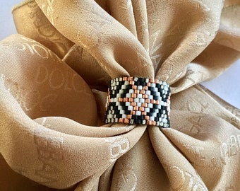 Mother's day, gift for mom, Copper Black White seed bead ring, Silver band beaded ring, Wide band ring, Gifts for her,  Geometric print