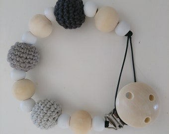 Weaning cord with crocheted beads
