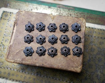 Rustic Oxidized Bead Caps - 16 Dark Patina  Silver Tone Scalloped Disc Caps - 7mm - Age Worn Antique Aged Patina - caterpie