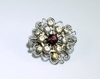 Silver Flower Brooch from the 1950s - Vintage Flower Silver-toned Pin with Clear and Purple Rhinestones - Vintage Costume Jewelry - Vintage