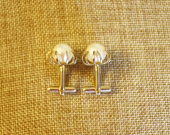 Vintage Ladies Faux Pearl Button Cuff Links