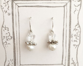 Butterfly Fresh Water Pearl Dangling Earrings, Pearl Earrings, Butterfly Earrings, Bride Earrings, Bridesmaid Earrings, Wedding Earrings