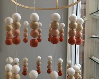 Nursery Mobile / Felt Ball Mobile / Baby Mobile / Nursery Decor / Gift for Baby/ Straight Design