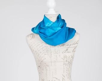 Turquoise circle scarf / Infinity turquoise silk scarf / turquoise silk scarf/ infinity light blue scarf / Hand dyed / 100% habotai silk