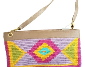 Purse to cross the shoulder